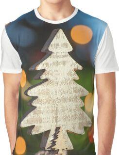 kleiner Weihnachtsbaum aus Holz Graphic T-Shirt