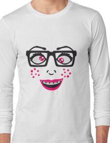 geek nerd hornbrille schlau frau weiblich girl sexy gesicht grinsen comic cartoon text schrift logo design cool crazy verrückt verwirrt blöd dumm komisch gestört  Long Sleeve T-Shirt