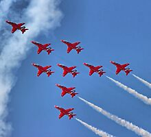 The Red Arrows - Eagle Roll - Farnborough 2014 by Colin  Williams Photography