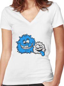freunde team papa mama kind familie schielen haarig monster wuschelig verrückt lustig comic cartoon zottelig crazy cool gesicht  Women's Fitted V-Neck T-Shirt