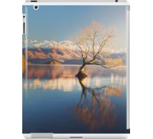 The Lonely Tree and The snow clad Buchanan Peaks .. iPad Case/Skin