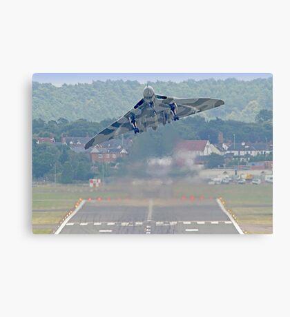 Vulcan To The Skies - Farnborough 2014 Canvas Print