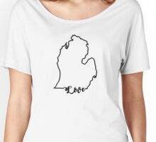 LOVE LOWER MICHIGAN OUTLINE TYPOGRAPHY DETROIT GRAND RAPIDS LANSING Women's Relaxed Fit T-Shirt