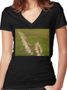 Pampas Grass Women's Fitted V-Neck T-Shirt