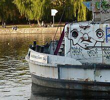 Graffiti boat by dyanera
