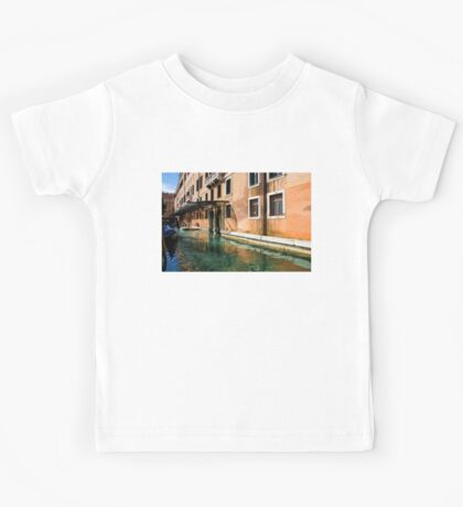 Impressions Of Venice - an Elegant Palace Basking in the Sunlight Kids Tee