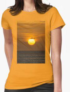 Golden sky at dawn T-Shirt