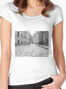 Croft-an-Righ Women's Fitted Scoop T-Shirt