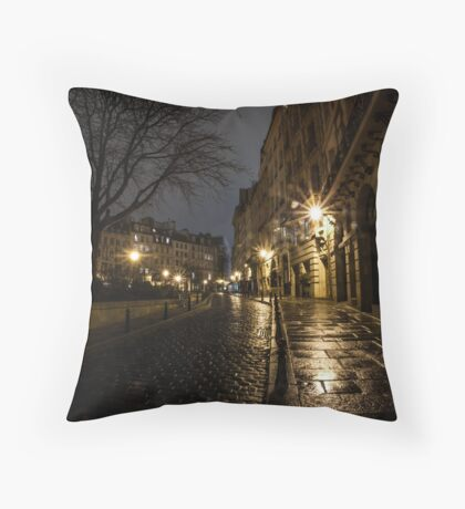 Rue parisienne Throw Pillow