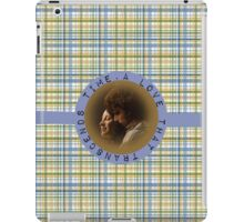 A love that transcends time\Jamie and Claire iPad Case/Skin