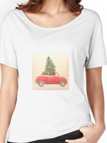 Vintage Red Car With Christmas Tree Roof Hipster Shirt  Women's Relaxed Fit T-Shirt
