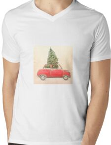 Vintage Red Car With Christmas Tree Roof Hipster Shirt  Mens V-Neck T-Shirt