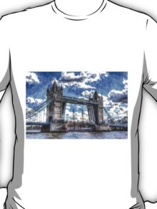Tower Bridge and passing ship Art T-Shirt