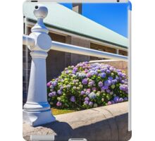 Point Perpendicular Lighthouse Quarters 1 iPad Case/Skin