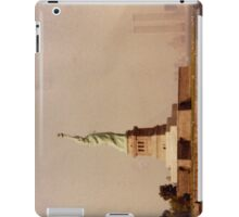 Statue of Liberty With the Twin Towers iPad Case/Skin