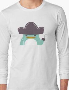 Happy funny cartoon penguin pirate Long Sleeve T-Shirt