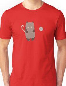 Cat loves ball yarn Unisex T-Shirt