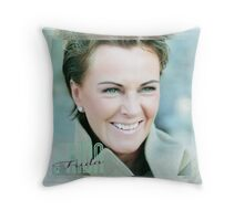 Frida Frida ! Throw Pillow
