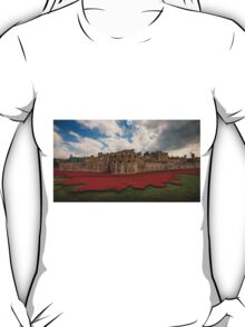 Tower of London Remembers.  T-Shirt