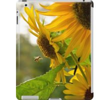 Sun Flower and Bee iPad Case/Skin