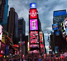 Times Square North H by Robert Meyers-Lussier