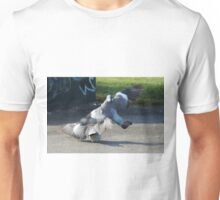 pigeon fight3 Unisex T-Shirt
