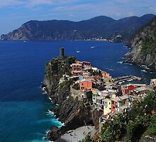 Vernazza on the Cinque Terre coast by Duncan Cunningham