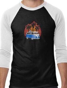 Hippie VW Split Window Bus w Surfboard & Palmes Men's Baseball ¾ T-Shirt
