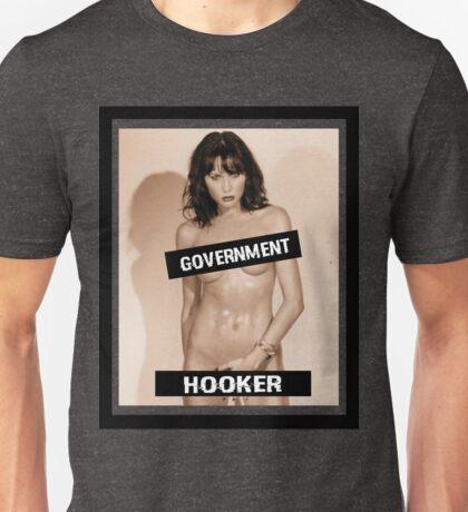 MELANIA TRUMP: GOVERNMENT HOOKER Unisex T-Shirt