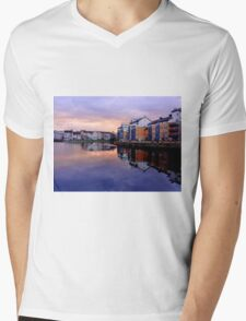 Edinburgh Evening News 16th Sept. 2014 Mens V-Neck T-Shirt