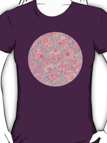 Moroccan Floral Lattice Arrangement - pink T-Shirt