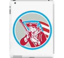 American Patriot Soldier Waving Flag Circle iPad Case/Skin
