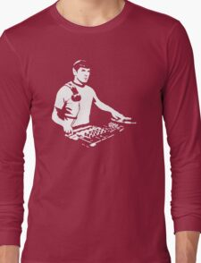DJ Spock mixing on the decks (star trek) Long Sleeve T-Shirt