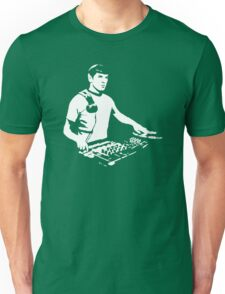 DJ Spock mixing on the decks (star trek) Unisex T-Shirt