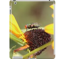 Green bottle fly iPad Case/Skin