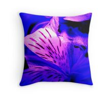 vivid floral Throw Pillow