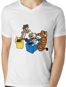 Doctor Who and Hobbes Mens V-Neck T-Shirt