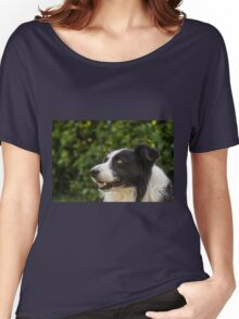 portrait of a border collie dog and still see what's around him Women's Relaxed Fit T-Shirt