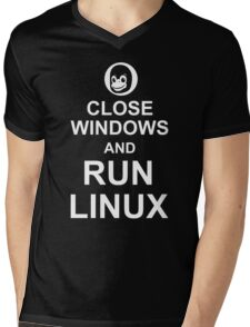 Close Windows and Run Linux - Funny Design for Free Software Geeks Mens V-Neck T-Shirt