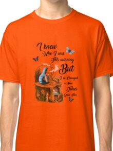 "Alice in Wonderland Quote Vintage Dictionary Art ""I've changed few times..."" Classic T-Shirt"