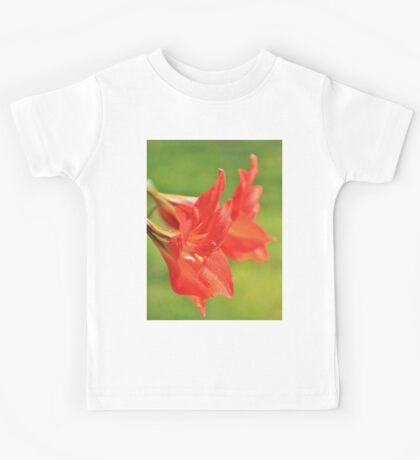 Red Flower Romance - Vibrant Beauty Kids Tee