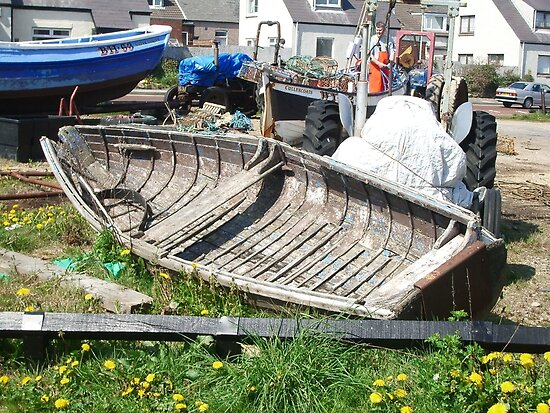 Boat wreck Cullercoats by Woodie