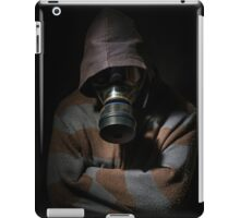Man in gasmask against dark background iPad Case/Skin