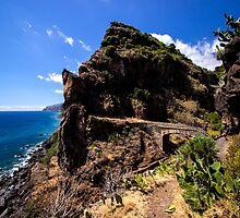 Paradise Cliff - Nature Photography by JuliaRokicka