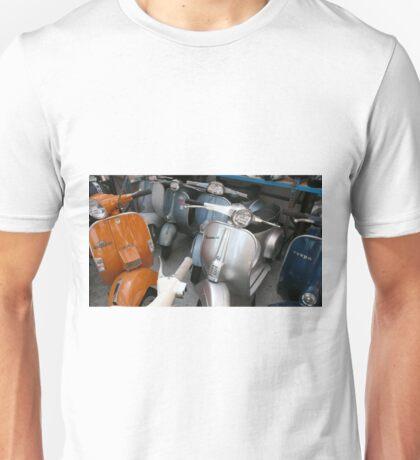MODS RETROSPECTIVE SCOOTERS LONDON Unisex T-Shirt