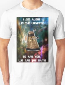 I am alone in the Universe [Nebulosa] T-Shirt