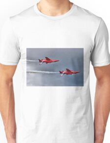 The Red Arrows Mirror Pass - Dunsfold 2014 Unisex T-Shirt