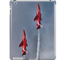 The Red Arrows Mirror Pass - Dunsfold 2014 iPad Case/Skin