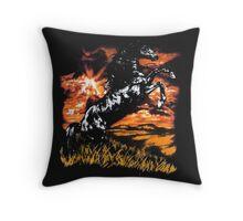Charlie Always Sunny Horse T-shirt Throw Pillow