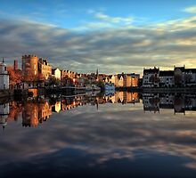45 Second Long Exposure of the Sunset over the Shore, Edinburgh by Miles Gray